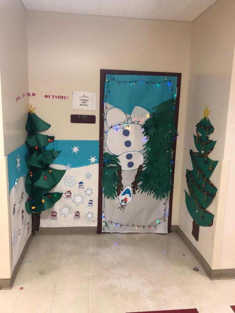 Winter Door Decorating Contest Winners Cchs Oracle