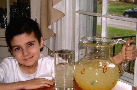 City Shuts Down 7 Year Old's Lemonade Stand