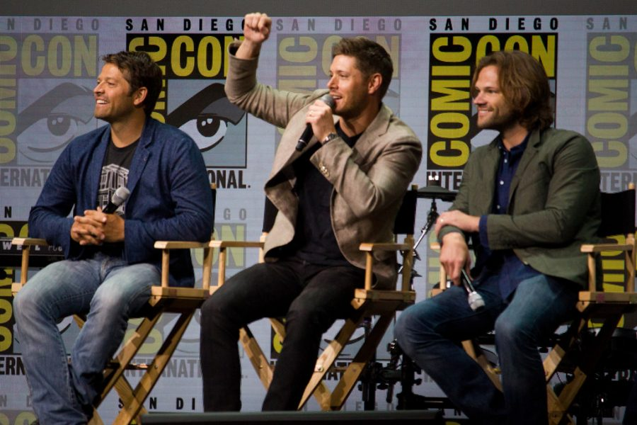 Jensen Ackles, Jared Padelecki, Misha Collins answer questions from fans.