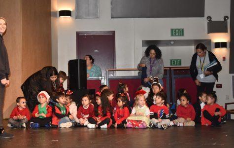 Tiny Titans Christmas Dance Show