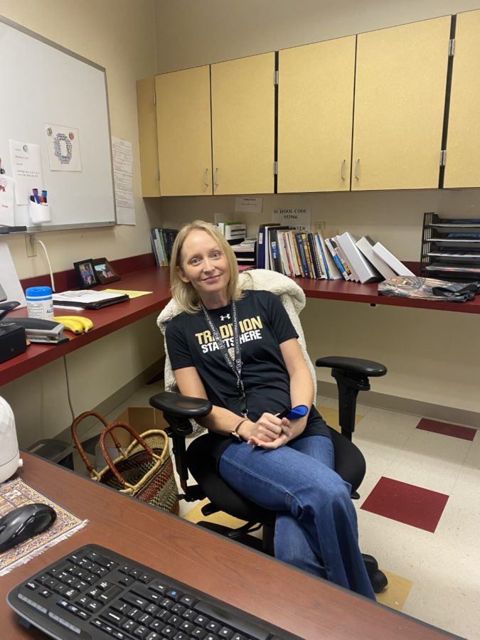 Get+to+know+the+new+CCHS+head+counselor